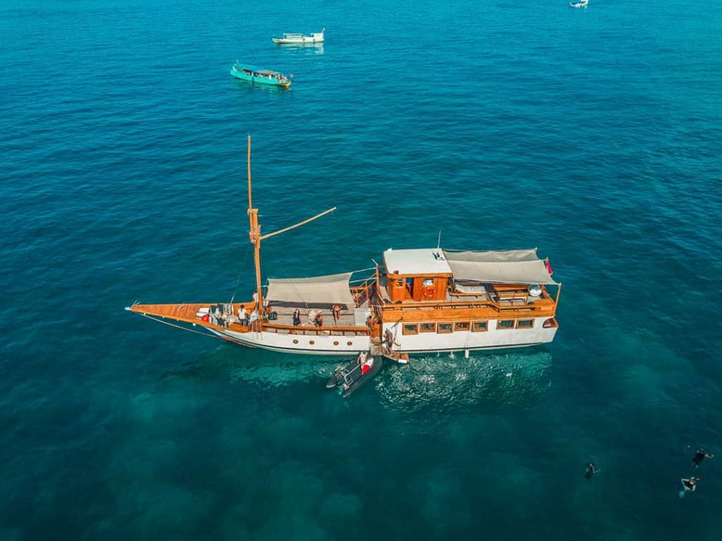 3 Highlights to Remember in Liveaboard Labuan Bajo