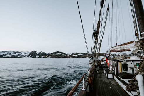 Reasons you need to get the liveaboard travel package someday