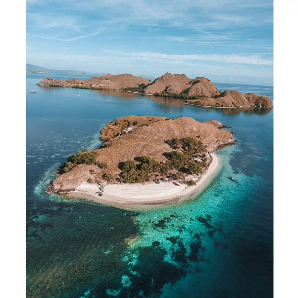 3 Indonesian Islands That'll Make You Want to Own A Yacht Charter, Komodo is One of Them