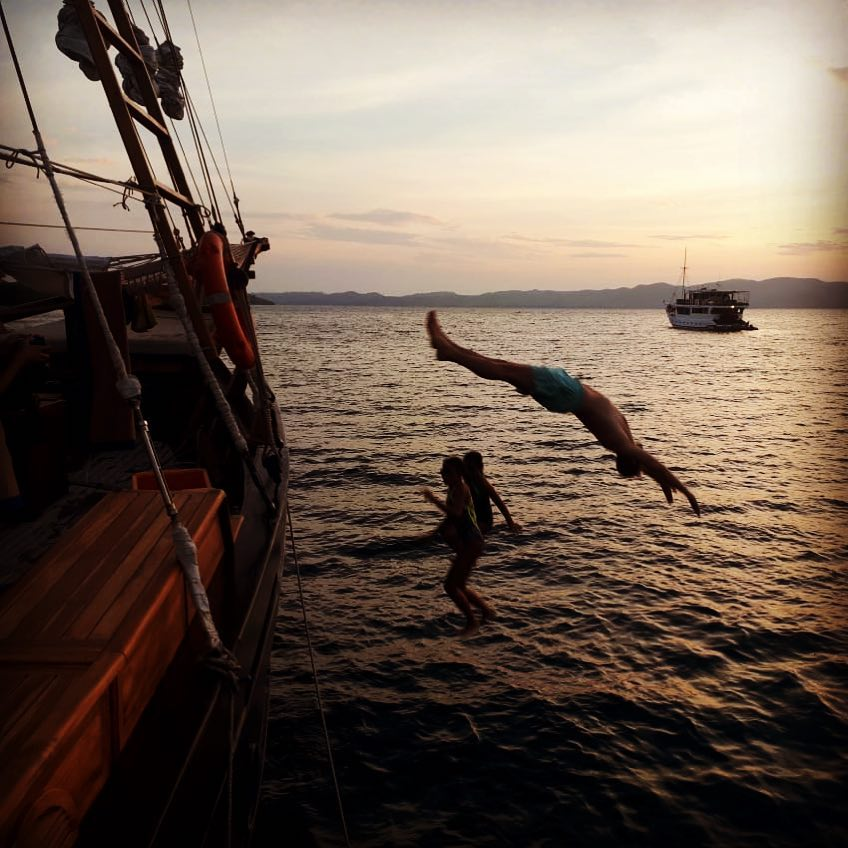 Seeking for a Thrill? Try Diving from Komodo Liveaboard!